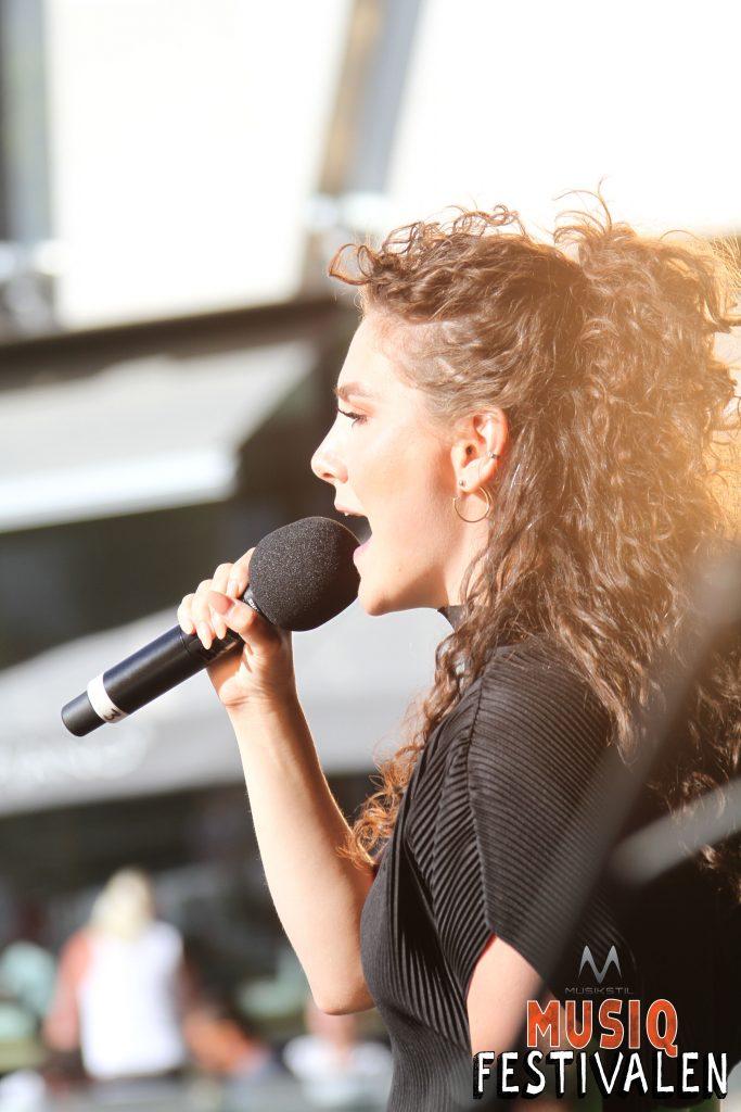 Maria Hazell